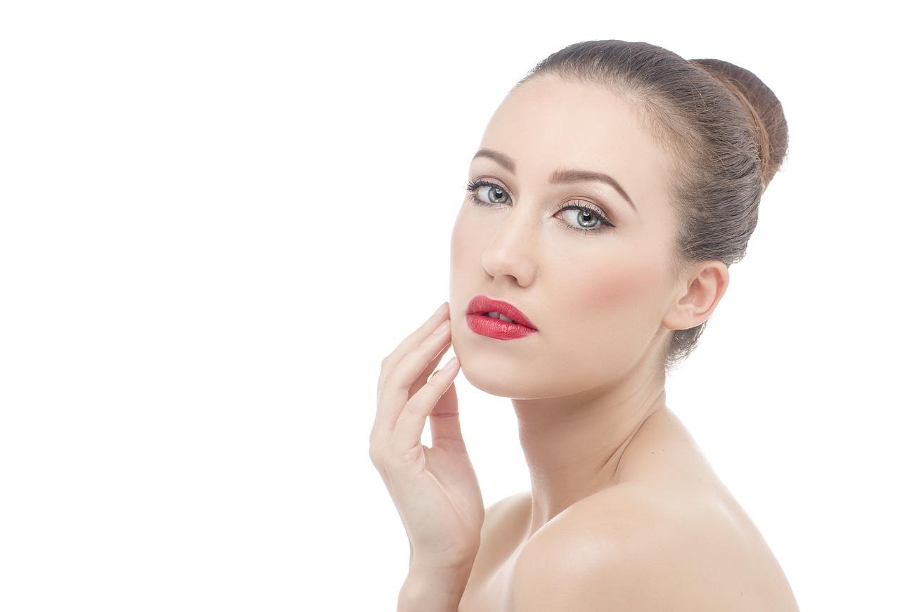 Zasady pielęgnacji skóry w czasie kwarantanny! Ekspert radzi!